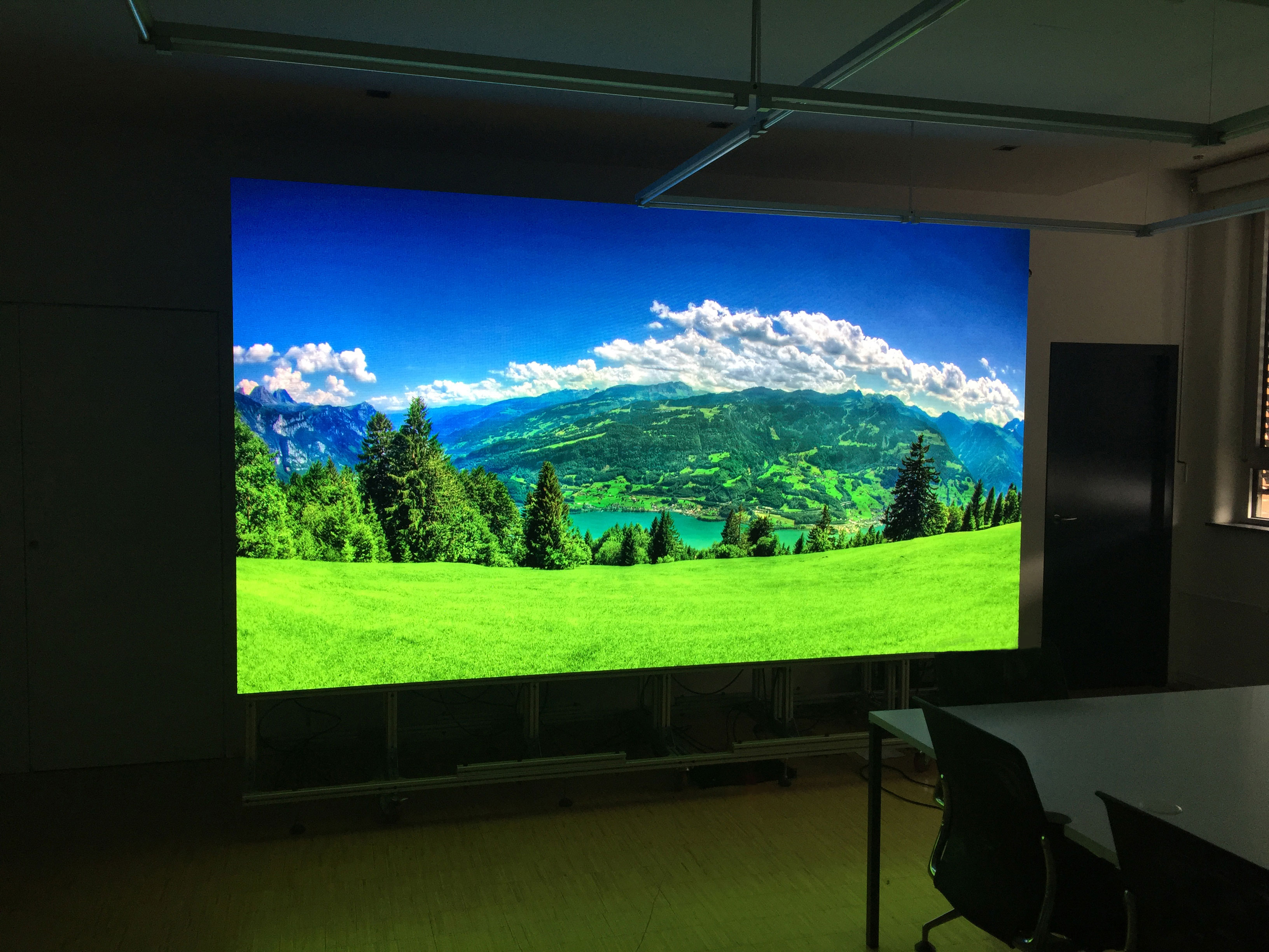 P1.6 HD Indoor LED Screen For Meeting Room